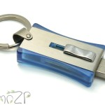 P24 флешки-брелоки, брелок пластиковый с флешкой, флешки с логотипом